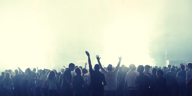 crowd-2361583.jpg